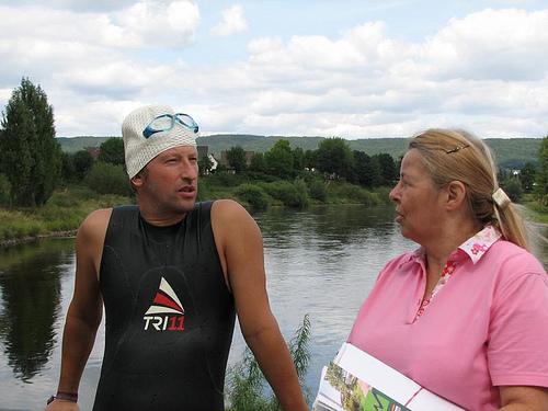 Kurze LagebesprechungHeinz Ratz und Elisabeth Schmelzer