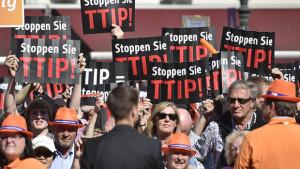TTIP-Gegner legen EU-Kommission lahm