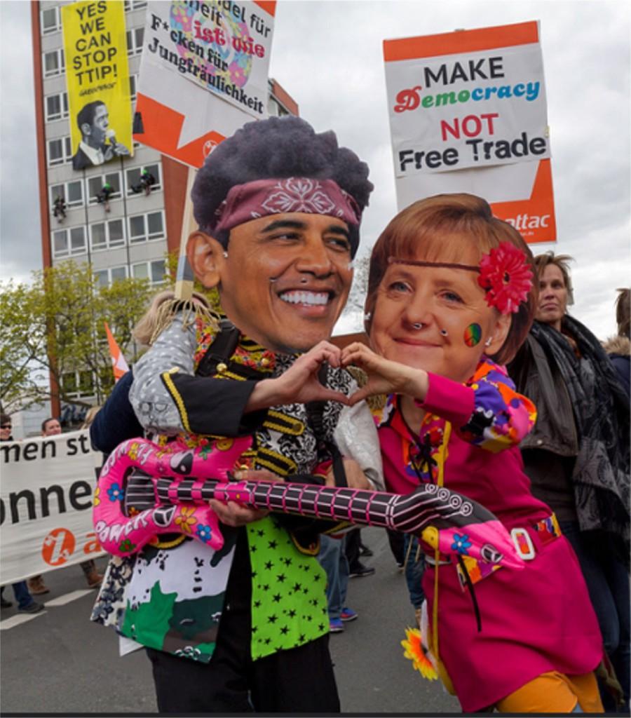 """Am 23. April 2016 haben anlässlich des Treffens zwischen US-Präsident Barack Obama und Bundeskanzlerin Angela Merkel zur Eröffnung der Messe in Hannover unter dem Motto """"TTIP & CETA stoppen! Für einen gerechten Welthandel"""" etwa 90.000 Menschen gegen die Freihandelsabkommen zwischen der EU mit den USA (TTIP) sowie mit Kanada (CETA) protestiert."""