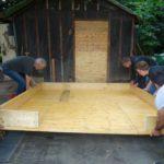 Gartenküche Unterbau wird abgelegt